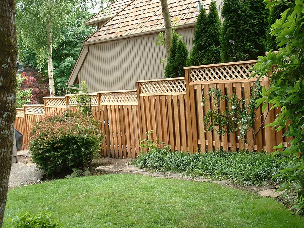 LATTICE TOP CEDAR FENCE – Fitzpatrick Fence And Rail