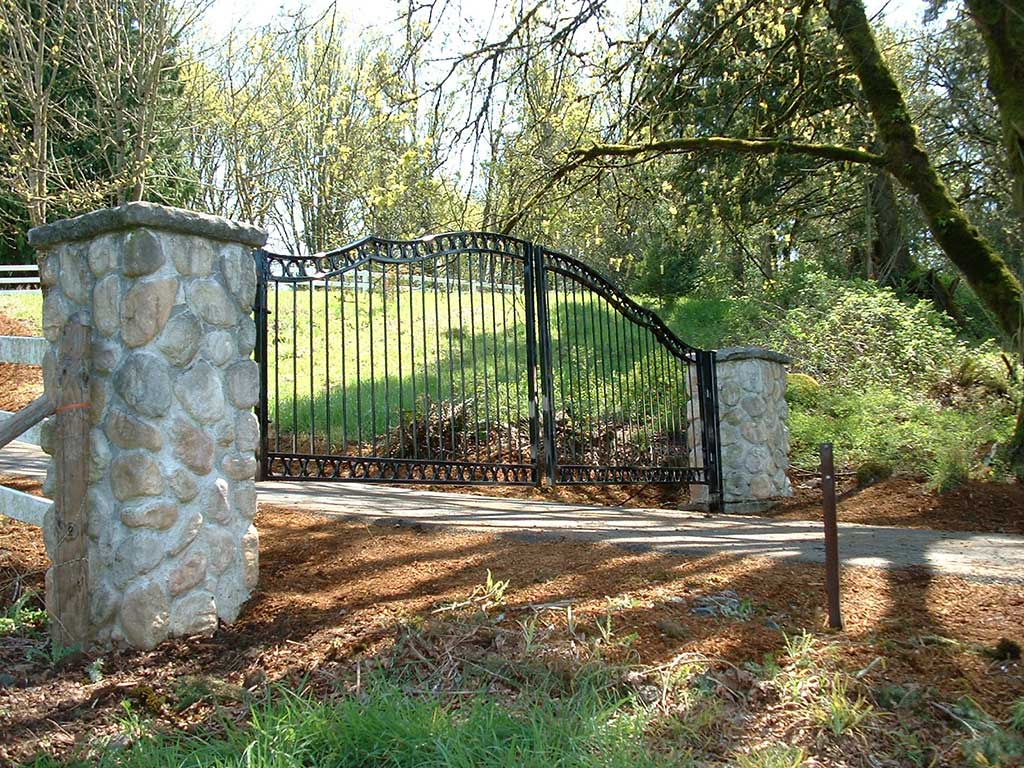 Ornamental Metal Gates Fitzpatrick Fence And Rail