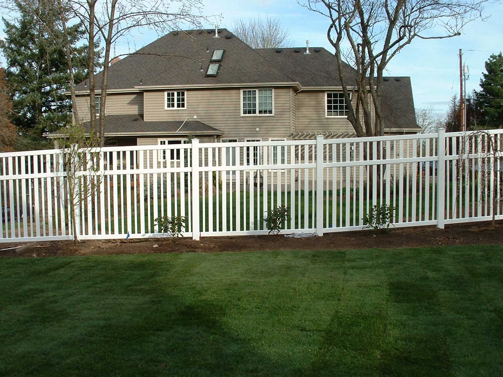 Residential Vinyl Fence Fitzpatrick Fence And Rail